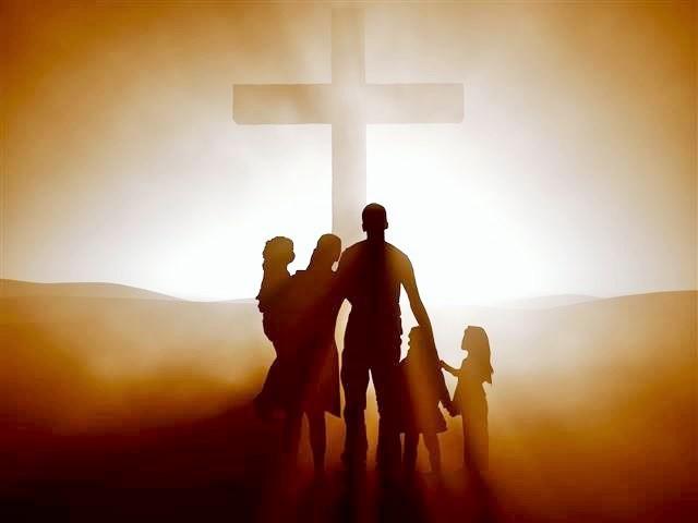 family-at-the-cross-4.jpg