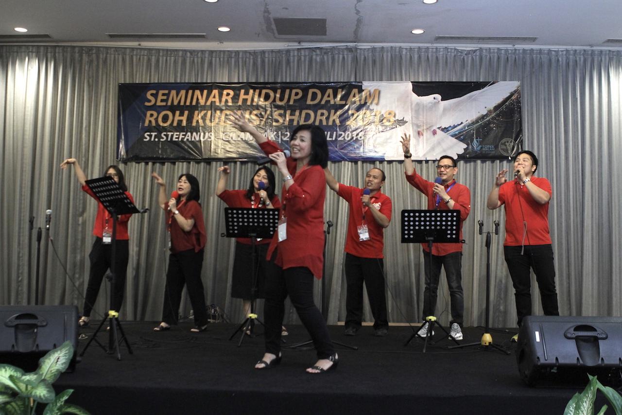 Seminar Hidup Dalam Roh Kudus - (Ada 26 foto)